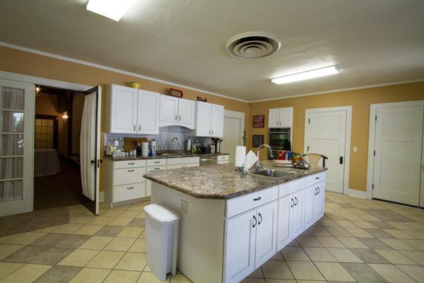 grand_parlor_kitchen